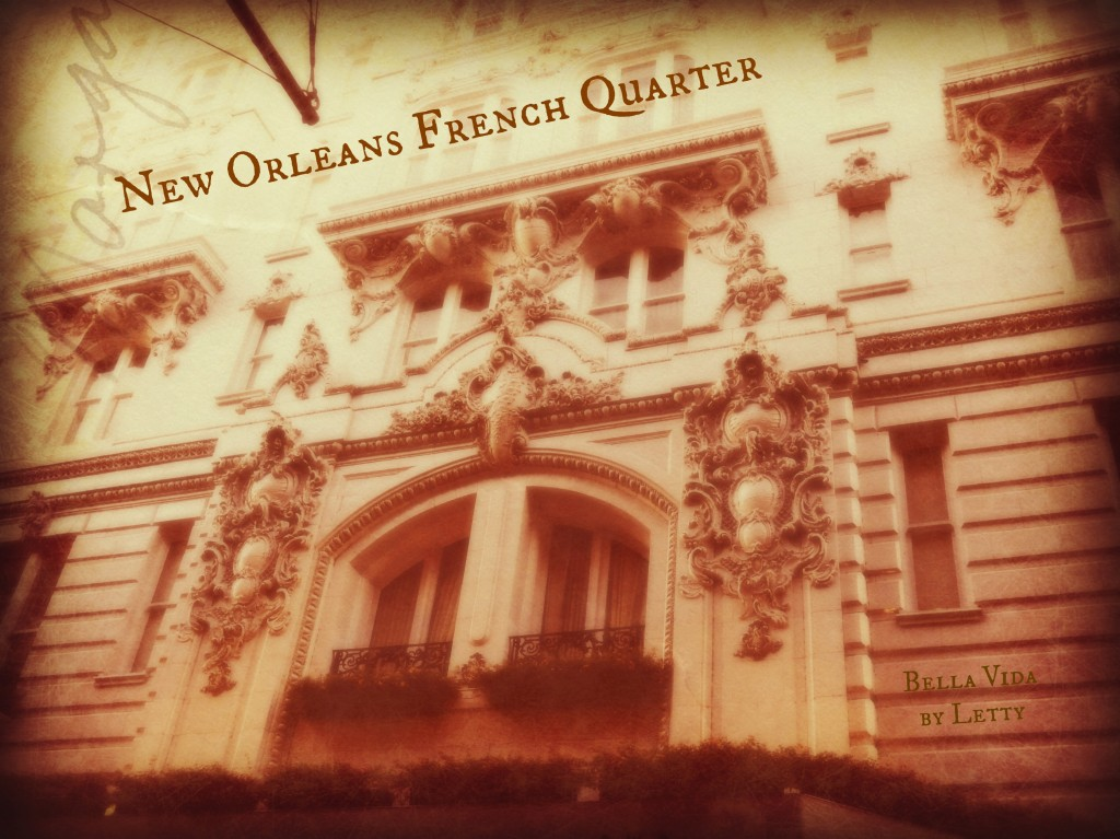 French Quarter PostCard Hotel Monteleone